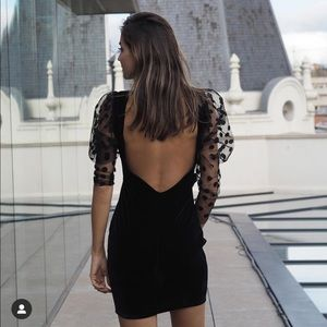 Last🔥Zara velvet dress with puff sleeves